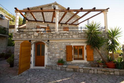 Apartments Villa Serventi, Lepetane, Montenegro